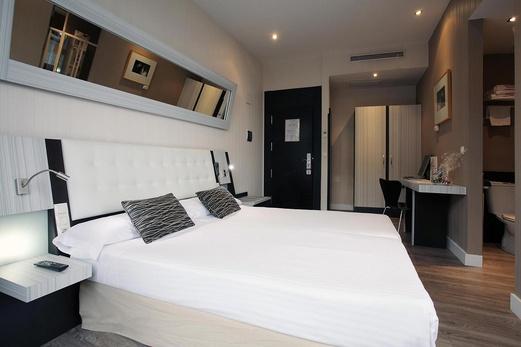 Petit palace italia hoteles defamilias turismo y ocio for Hoteles familias numerosas